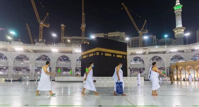 يهم المغاربة.. السعودية تعلن عن ضوابط العمرة للقادمين من الخارج