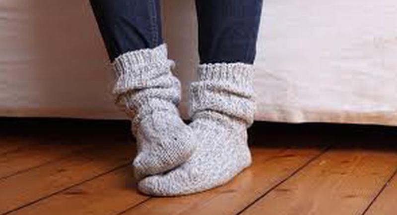 الأقدام الباردة.. علامة على 8 أمراض خطيرة