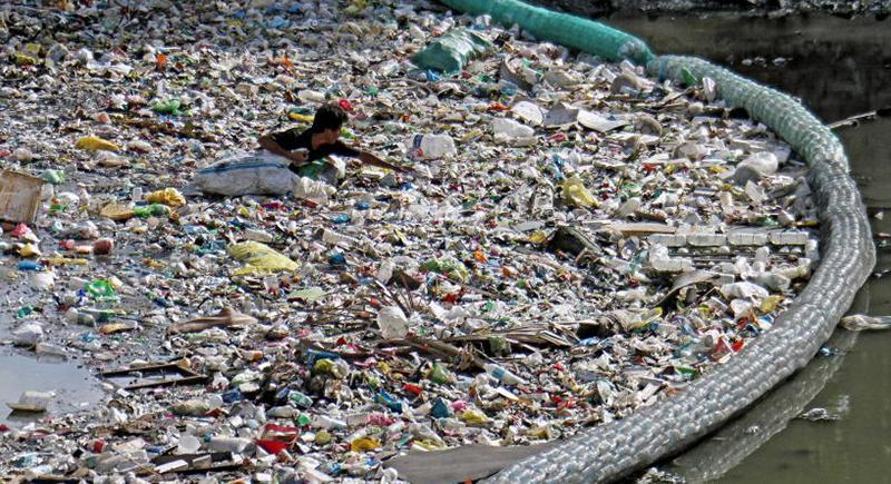 للحد من أزمة تلوث عالمية.. تطوير مادة بديلة للبلاستيك تتحلل ذاتيا