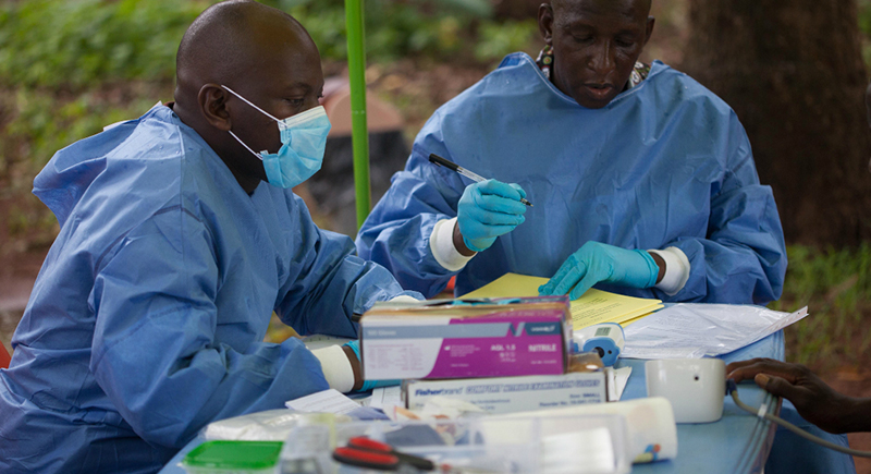 غينيا أول دولة افرقية تبدأ التطعيم ضد كورونا