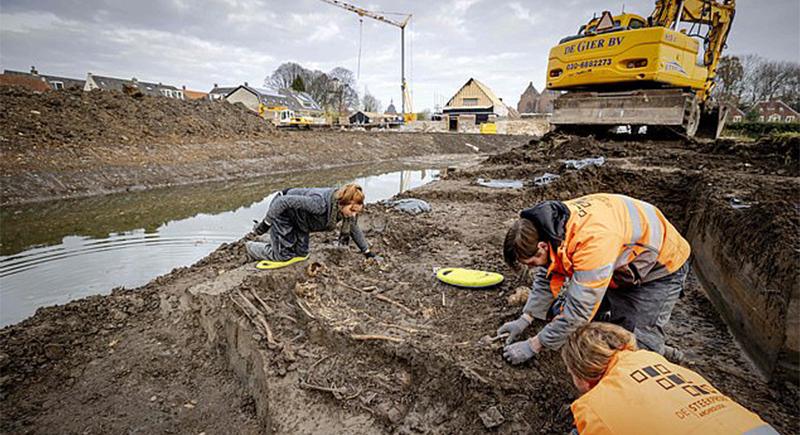 اكتشاف مقبرة جماعية غامضة في هولندا