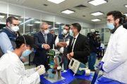 الكمامات وأجهزة التنفس الاصطناعي تبرزان الإبداع المغربي في عام الجائحة