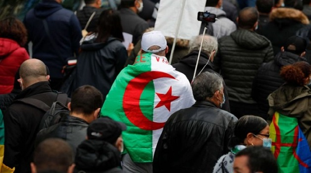 الجزائر.. النظام يواصل إدانة نشطاء الحراك الشعبي