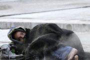 معاناة الأشخاص بدون مأوى خلال موجة البرد تصل قبة البرلمان