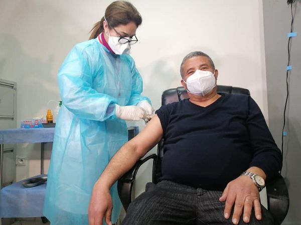 وزارة الصحة: توسيع الاستفادة من عملية التلقيح لتشمل الأعمار مابين 45 و50 سنة