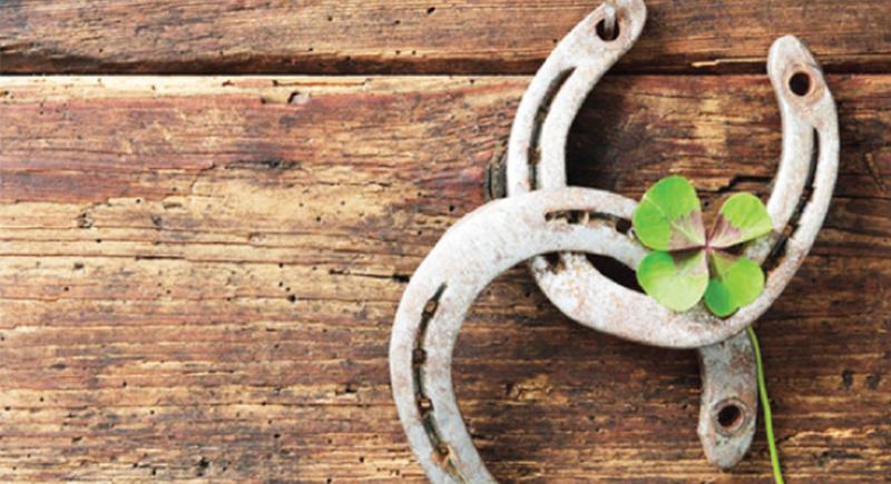 الإيمان بالخرافات.. محاولة بشرية لجلب الحظ