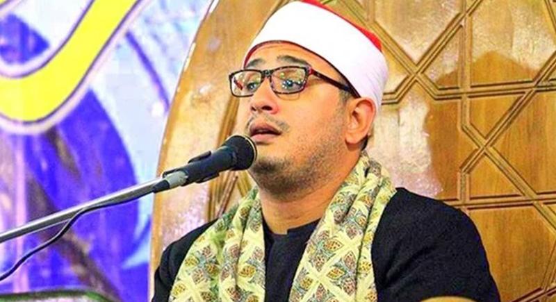 التحقيق مع شيخ مصري حلم بأنه صعد ''للسماء السابعة''