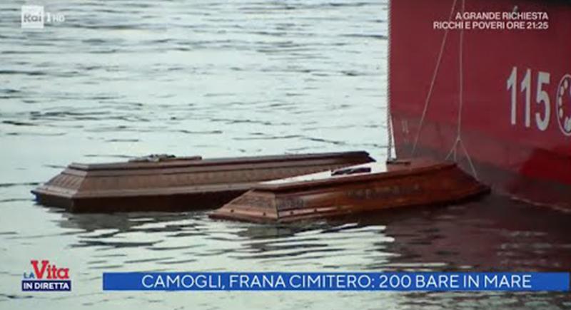 رعب في بلدة الإيطالية.. 200 تابوت عائم وسط المياه (فيديو)