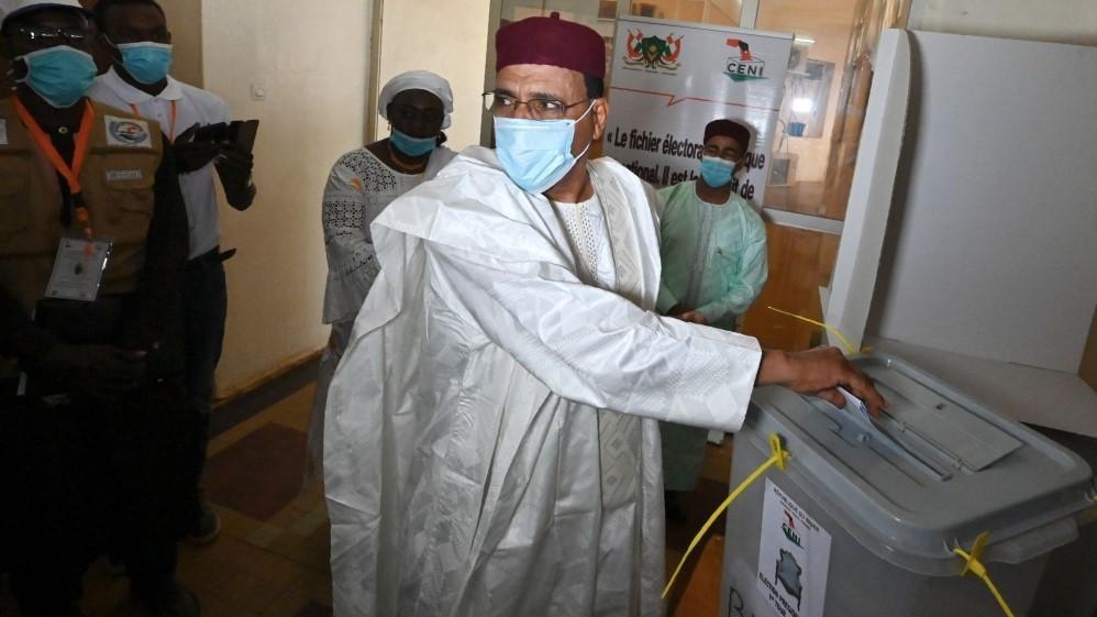 من أصول عربية.. انتخاب محمد بازوم رئيسا للنيجر