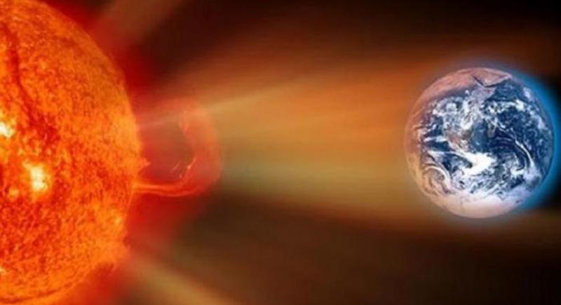 عالمة فيزياء فلكية تزعم: عاصفة شمسية محتملة قد تنهي وجود العالم