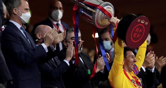 ريال مدريد يهنئ برشلونة عقب تتويجه بكأس إسبانيا 2021