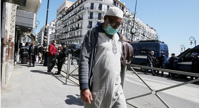 خبير جزائري..  الوضعية الوبائية ستتعقد أكثر في البلاد والأرقام سترتفع من جديد