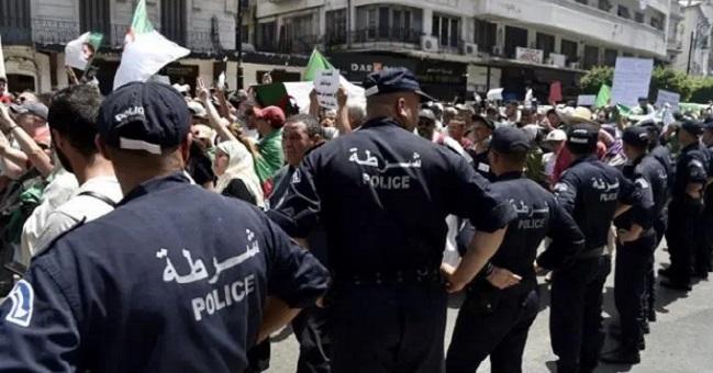 ناشطة جزائرية.. لا يمكن ضبط الحراك الشعبي