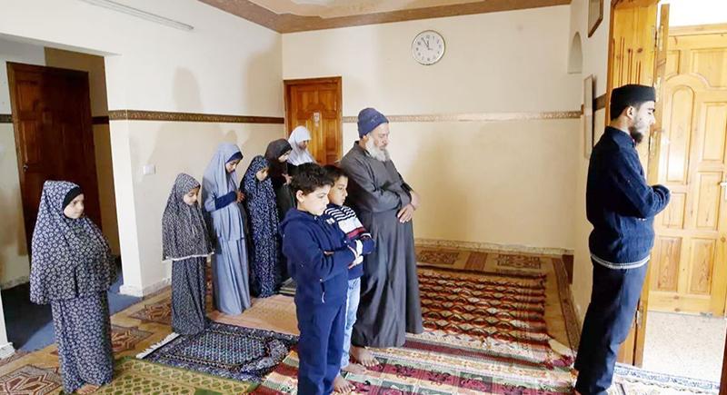 كيفية صلاة عيد الفطر 2021 في المنزل.. بالخطوات