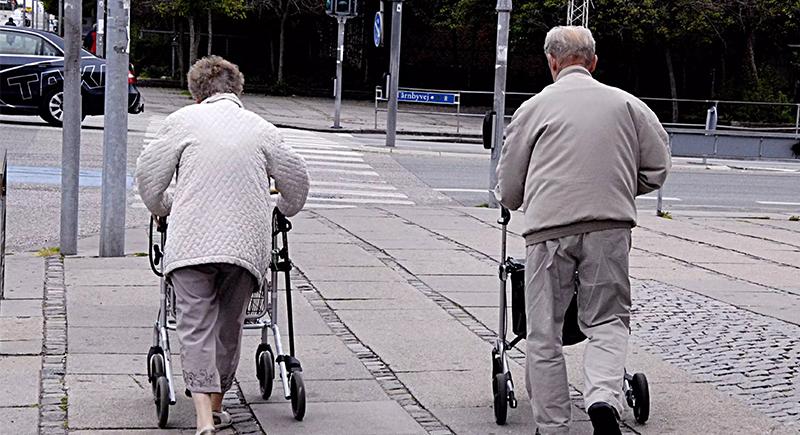 زوجان يهربان من دار مسنين بطريقة لا تخطر على البال