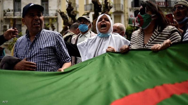 لقمع الحراك.. أحكام بالسجن النافذ في حق 31 متظاهرا جزائريا