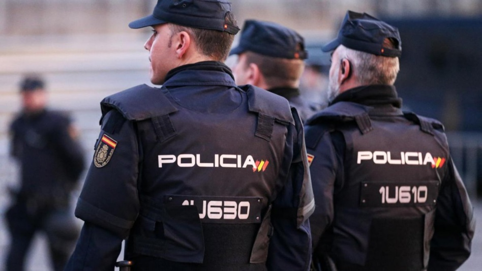 إسبانيا.. إلقاء القبض على مهرب جزائري متهم بالاتجار في البشر