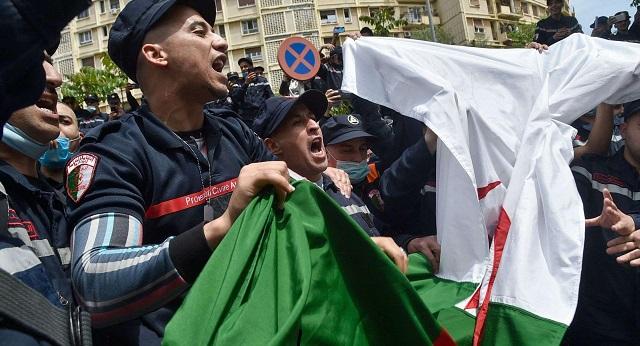 الجزائر..  اتساع الحركة الاحتجاجية ينذر بحالة تمرد