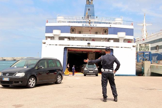 الحكومة تصادق على إحداث تعويض عن التنقل عبر البحر لفائدة مغاربة العالم