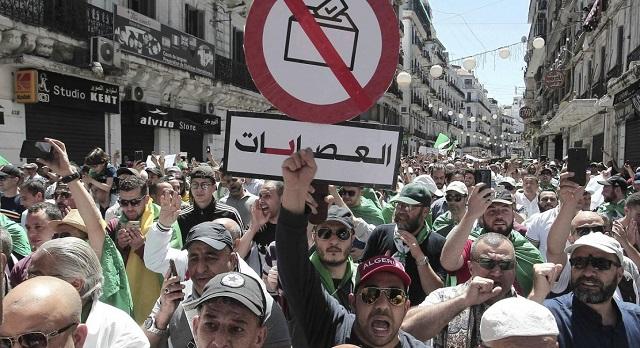 الجيش الجزائري يشن هجوما على حركتي