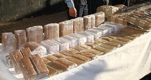 أمن الحسيمة يحبط عملية للتهريب الدولي للمخدرات ويحجز أزيد من طن من الشيرا