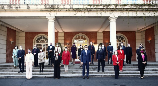 مراقبون.. مدريد تضحي ببعض الوزراء لكي لا تعطي الانطباع بأن المغرب خرج منتصرا من الأزمة