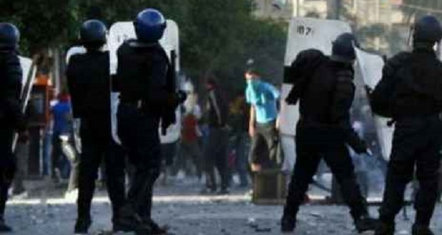 الجزائر..  استمرار احتجاجات الشارع بالجنوب وسط تنديد بالعنف الأمني