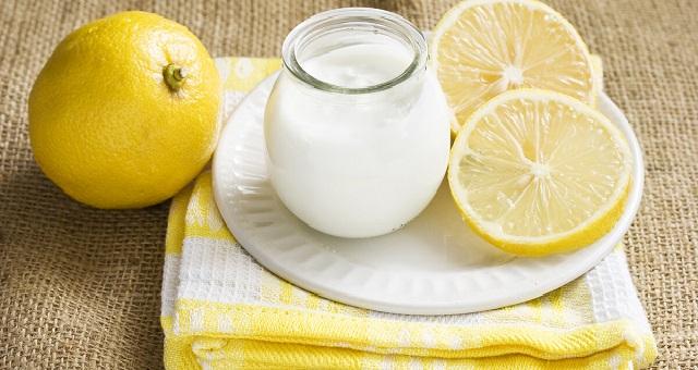 منعش ولذيذ لفصل الصيف.. عصير الليمون والياغورت