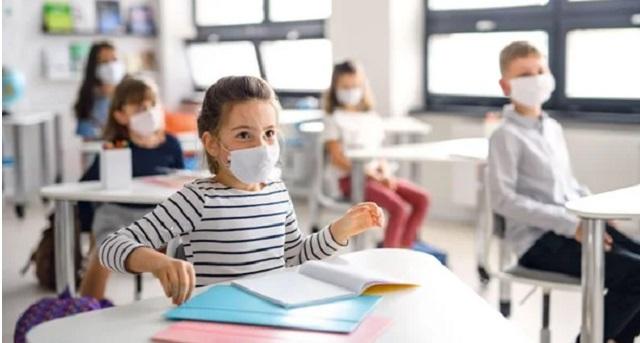 كورونا عبر العالم.. أزيد من 112 مليون إصابة والجائحة تفاقم أزمة التعليم