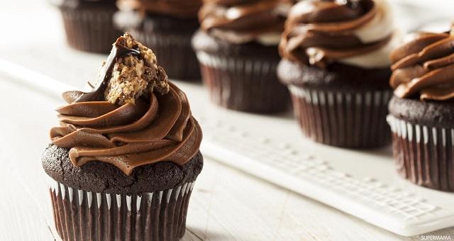 وصفة سهلة وسريعة لتحضير الكب كيك بالشوكولاتة