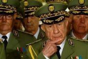 صحافي جزائري.. البلاد في خطر ببقاء النظام العسكري