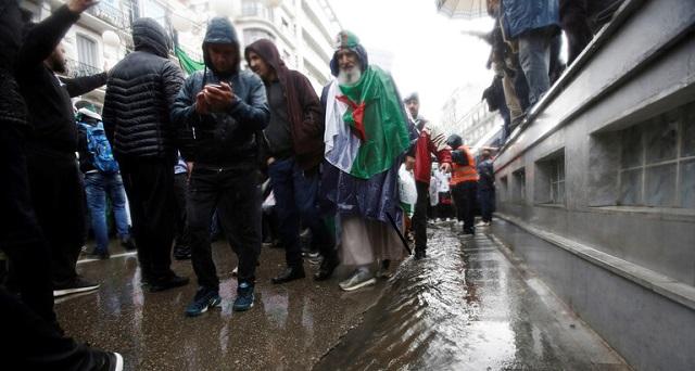 في سيناريو يتكرر سنويا.. الأمطار تغرق الجزائر وتخلف ضحايا وخسائر مادية جسيمة